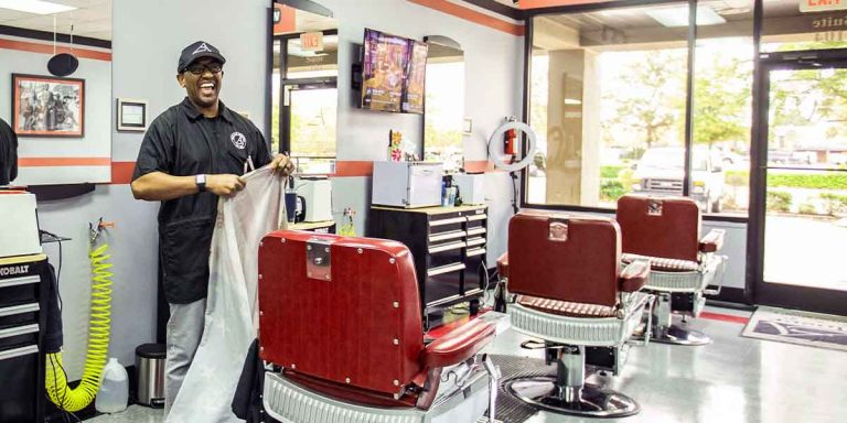 Barber Shop Open Sunday : Start the Week Right